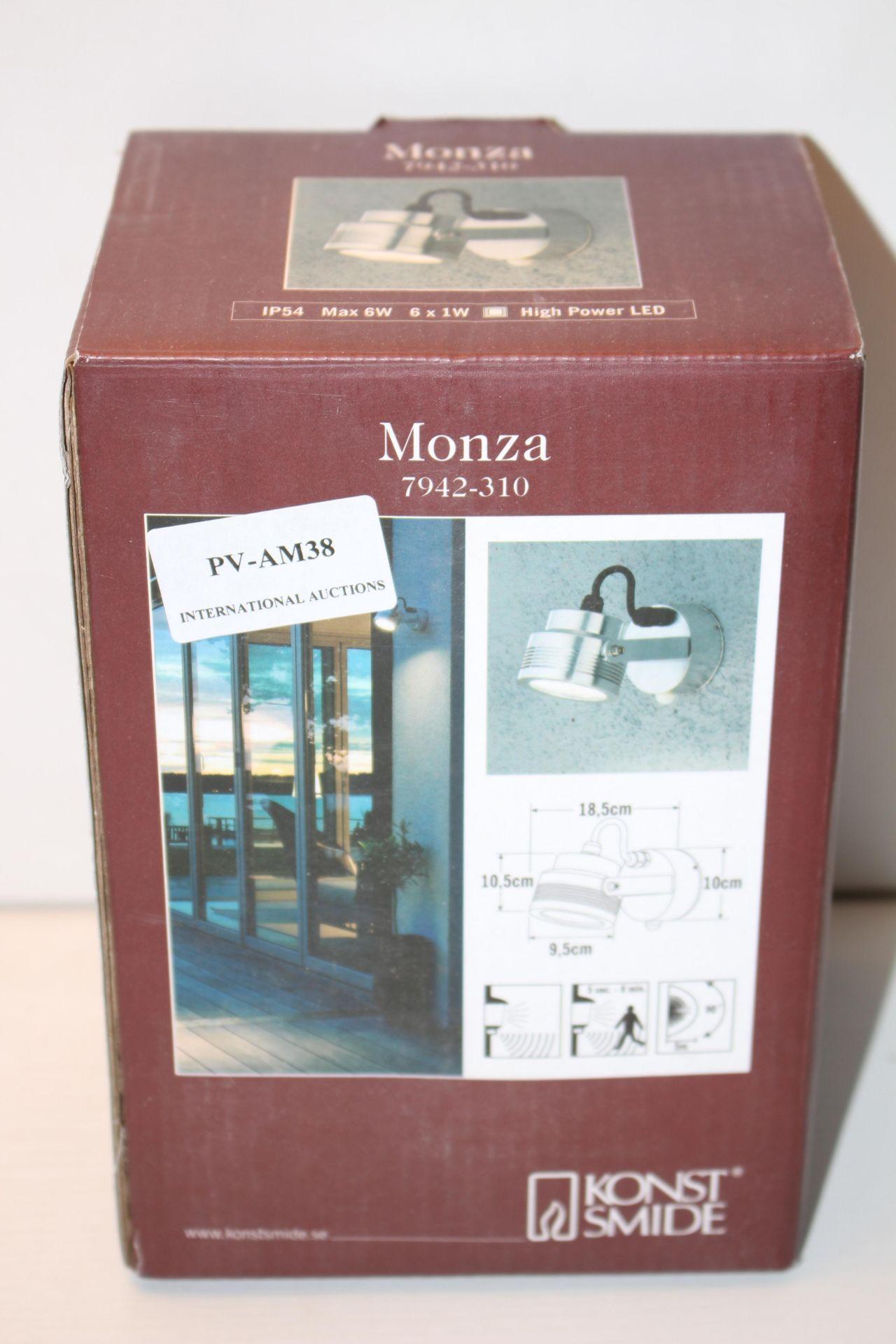 BOXED KONST SMIDE MONZA 7942-310 DESIGNER WALL LIGHT RRP £127.99Condition ReportAppraisal