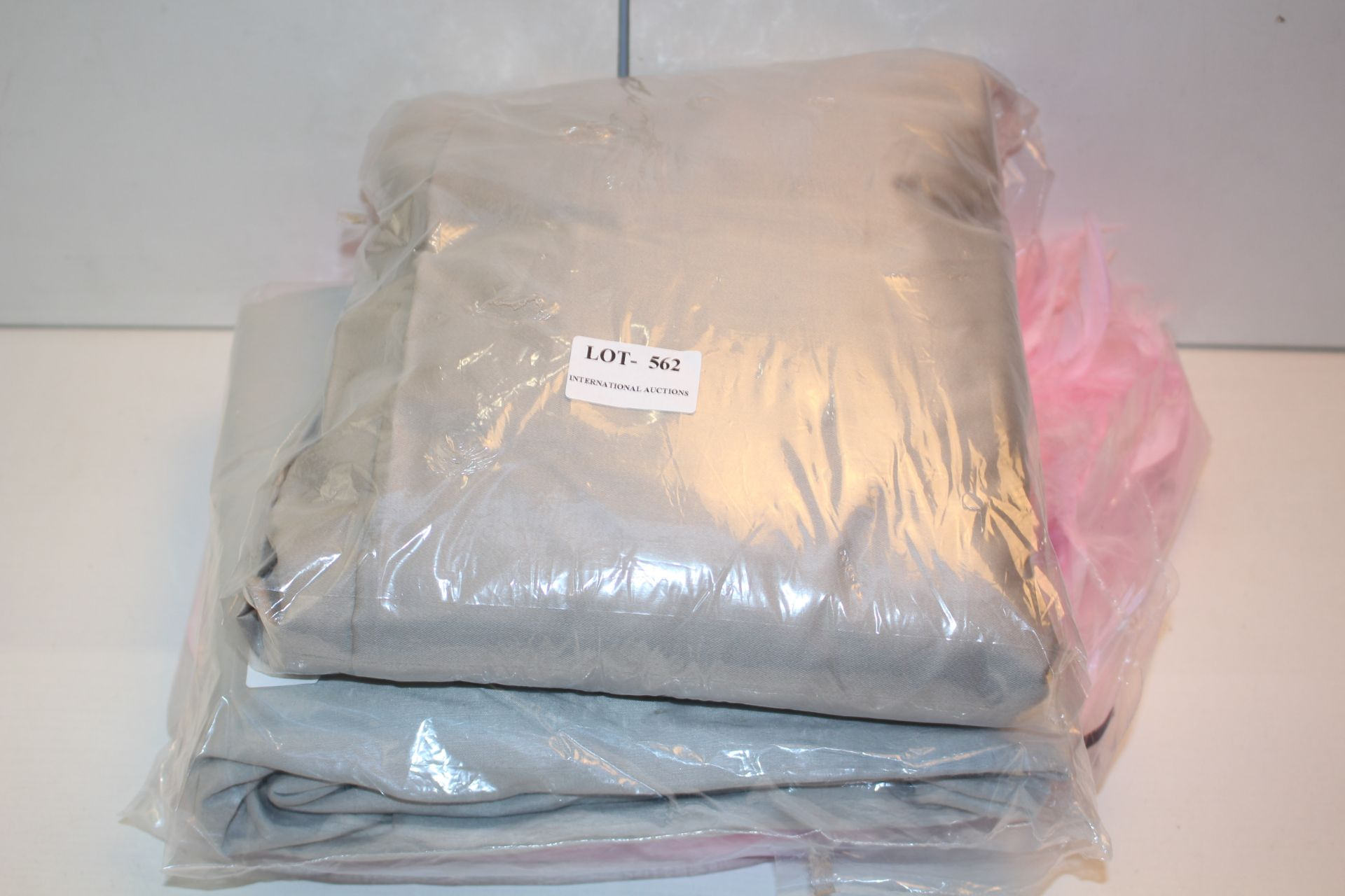 X3 LINEN ITEMS Condition ReportAppraisal Available on Request- All Items are Unchecked/Untested
