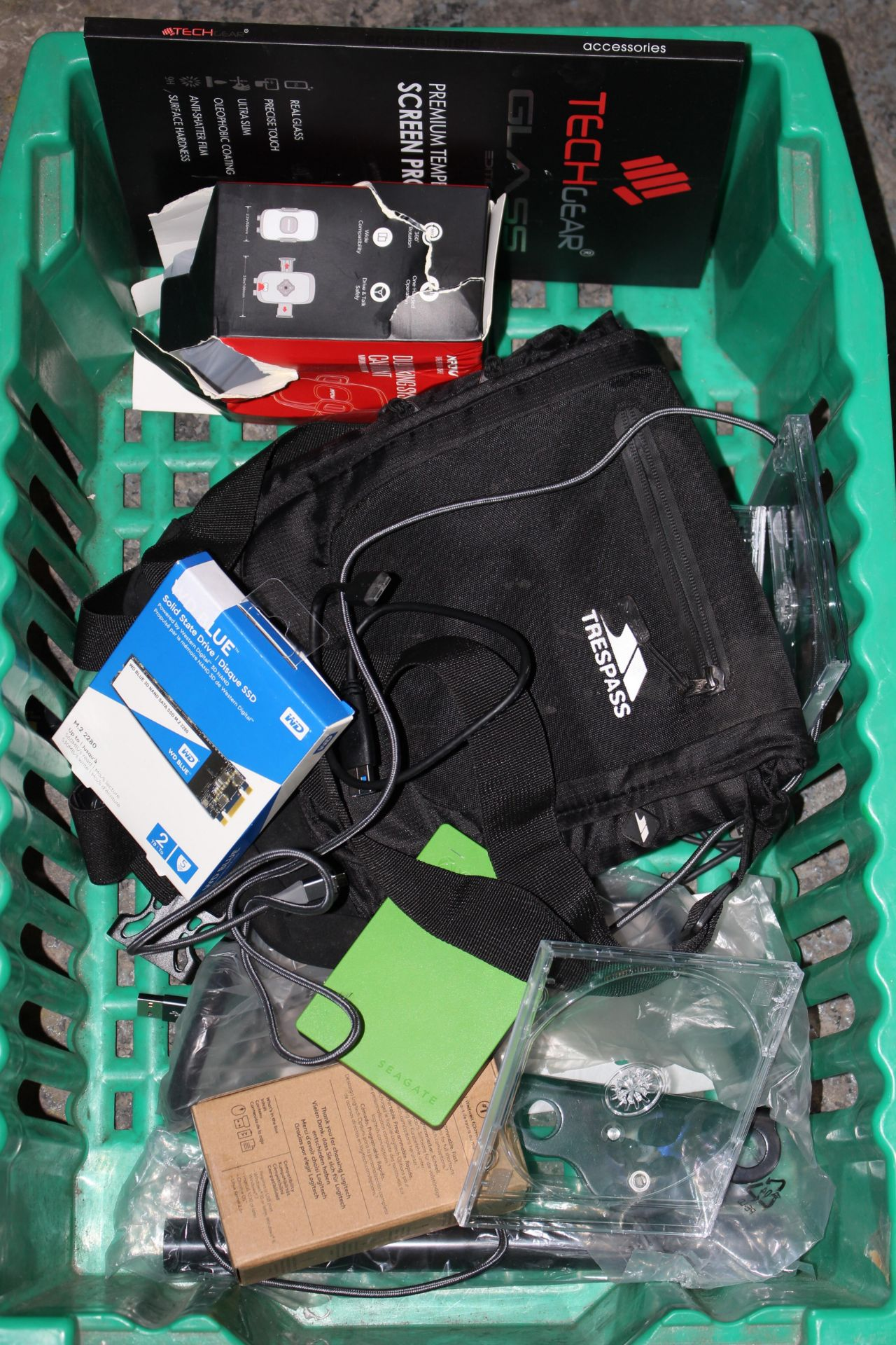 10X ASSORTED ITEMS (IMAGE DEPICTS STOCK/GREEN BOX NOT INCLUDED)Condition ReportAppraisal Available