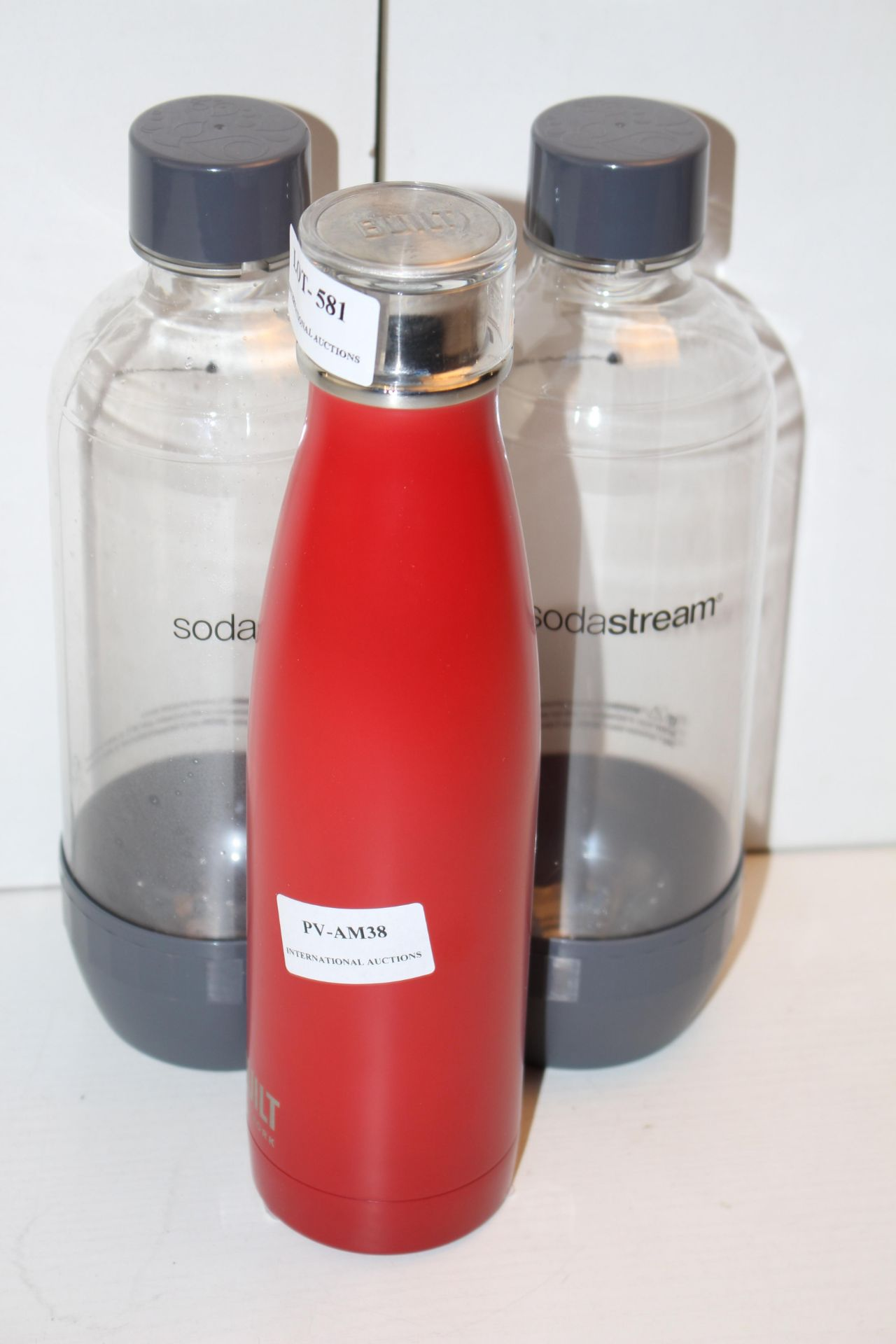 X3 FLASKS, PLEASE SEE IMAGECondition ReportAppraisal Available on Request- All Items are Unchecked/