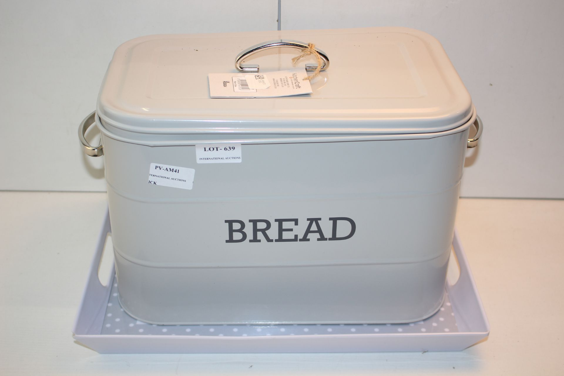 X2 ITEMS INCLUDING TRAYS AND BREAD BINCondition ReportAppraisal Available on Request- All Items