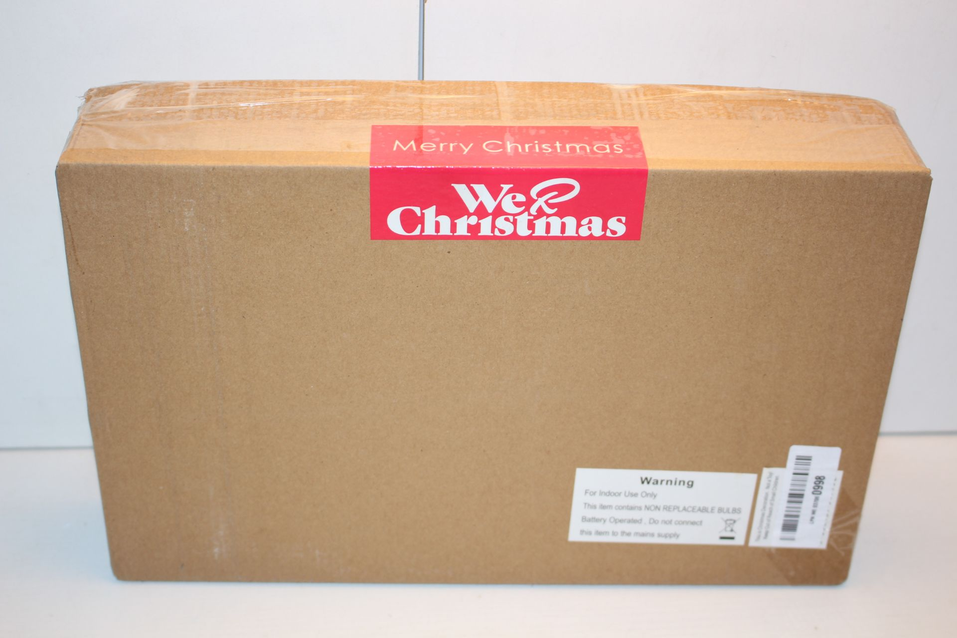 BOXED WE LOVE CHRISTMAS DECORATION Condition ReportAppraisal Available on Request- All Items are