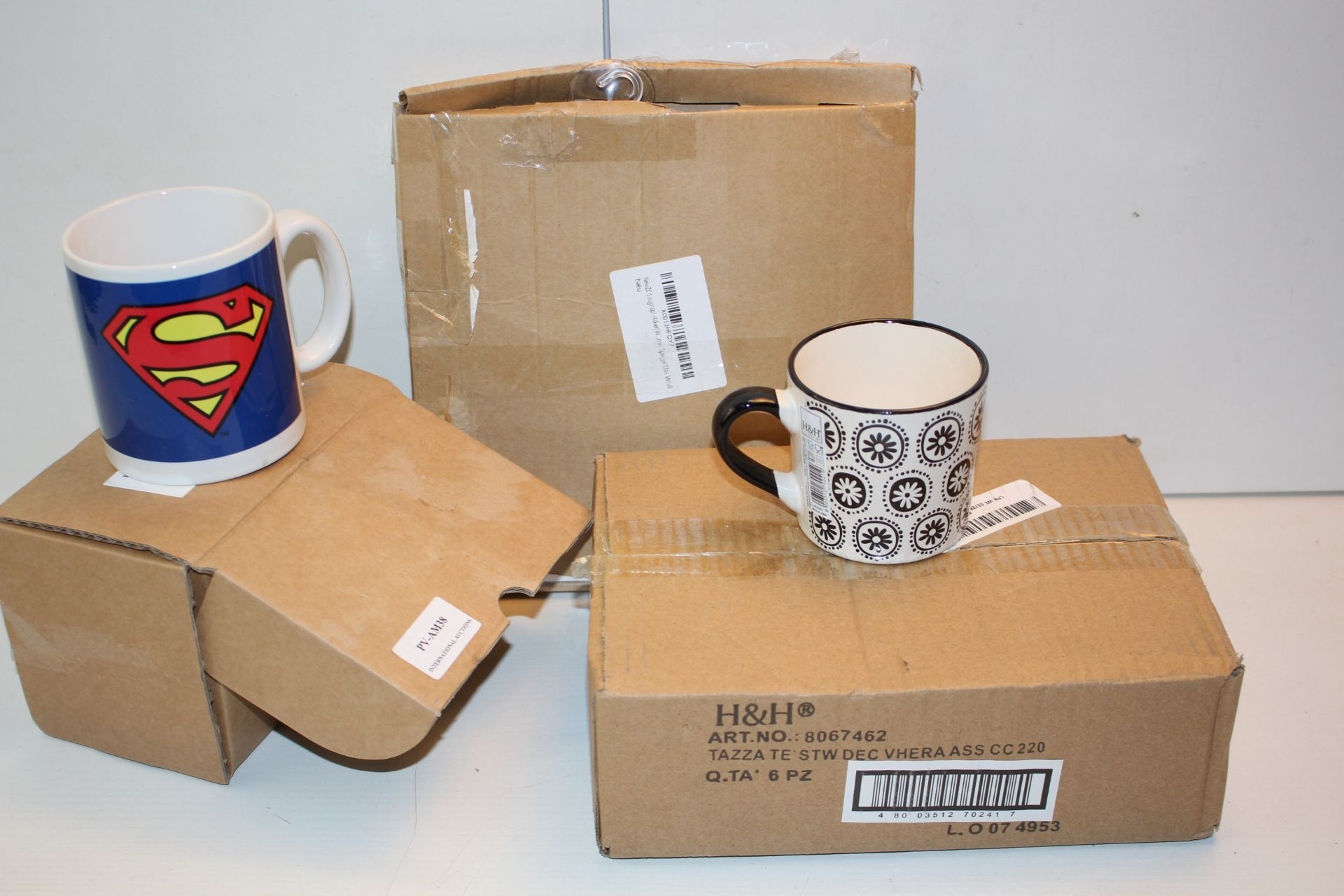 X3 BOXED ITEMS INCLUDING, 6 PIECE CUP SET, SUPEREMAN CUP AND OTHERCondition ReportAppraisal