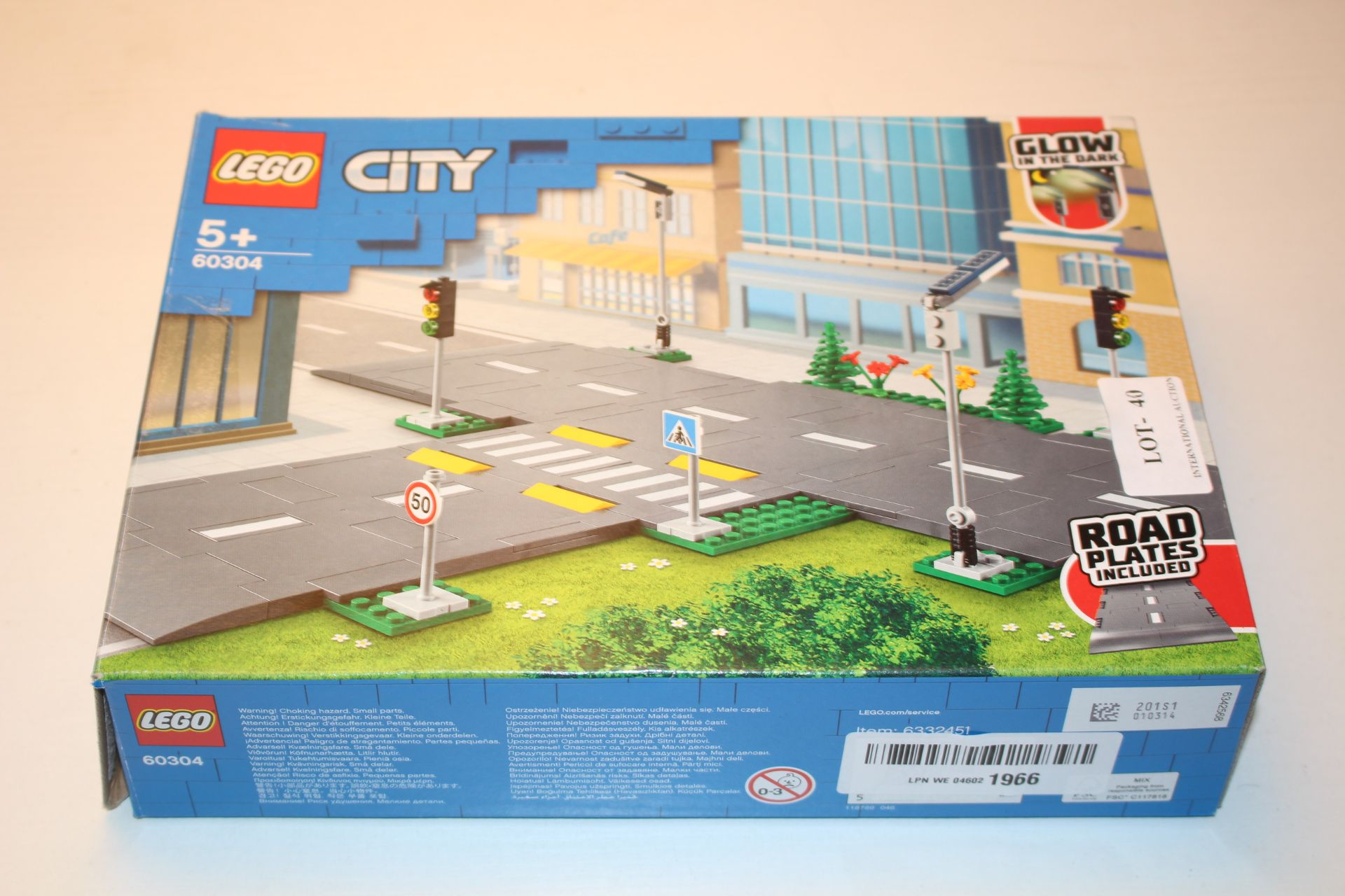 BOXED LEGO CITY ROAD PLATES 60304 RRP £18.00Condition ReportAppraisal Available on Request- All