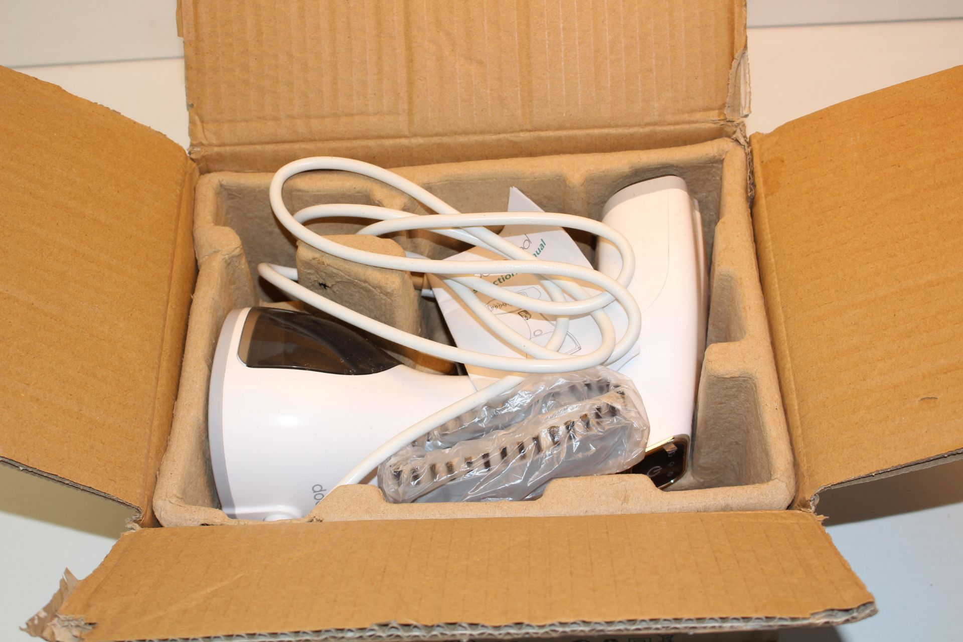 BOXED DODOCOOL LCD HANDHELD GARMENT STEAMERCondition ReportAppraisal Available on Request- All Items