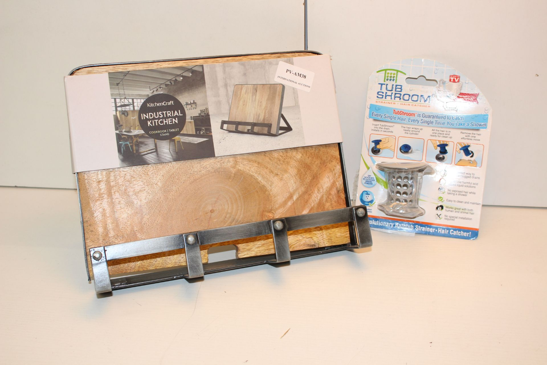 X2 KITCHEN ITEMS INCLUDING KITCHEN KRAFT IPAD STAND AND TUB SHROOM Condition ReportAppraisal