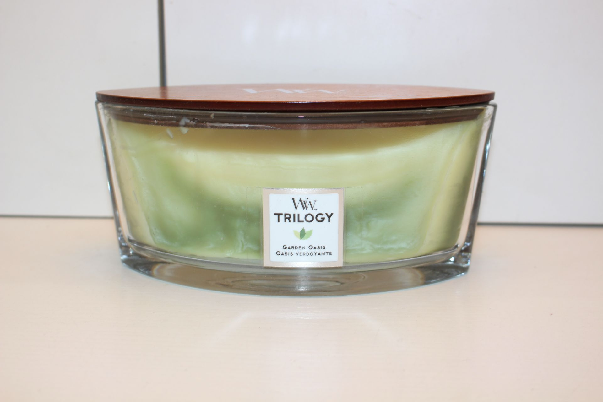 BOXED WW TRILOGY GARDEN OASIS CANDLE Condition ReportAppraisal Available on Request- All Items are