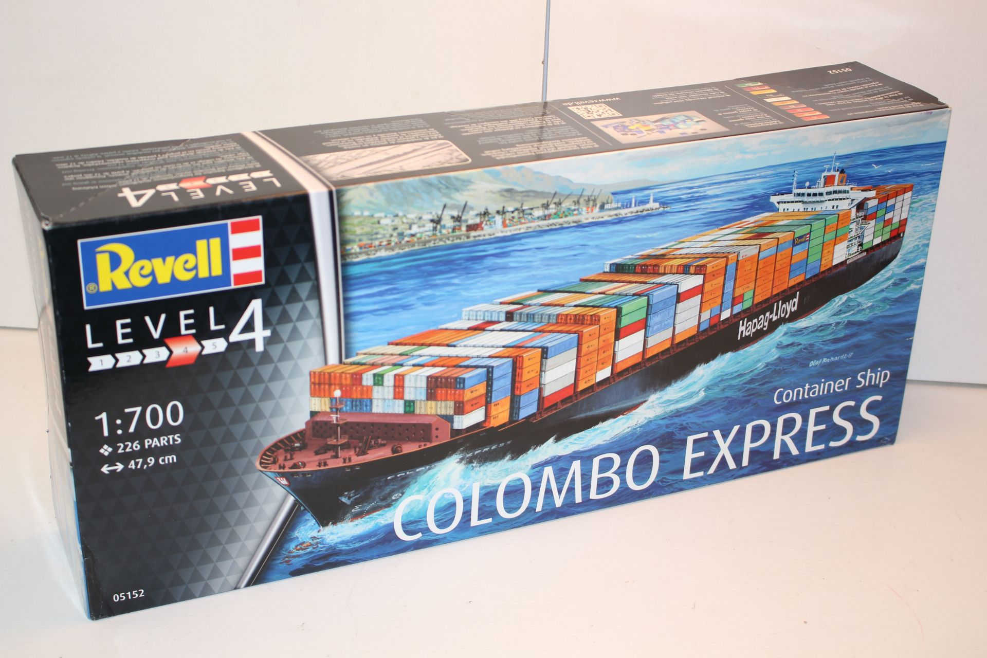 BOXED REVELL LEVEL 4 1:700 SCALE COLOMBO EXPRESS CONTAINER SHIPCondition ReportAppraisal Available