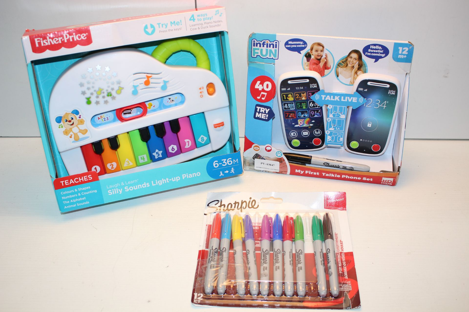 3X ASSORTED ITEMS TO INCLUDE FISHER PRICE SILLY SOUNDS LIGHT-UP PIANO & OTHER (IMAGE DEPICTS STOCK)