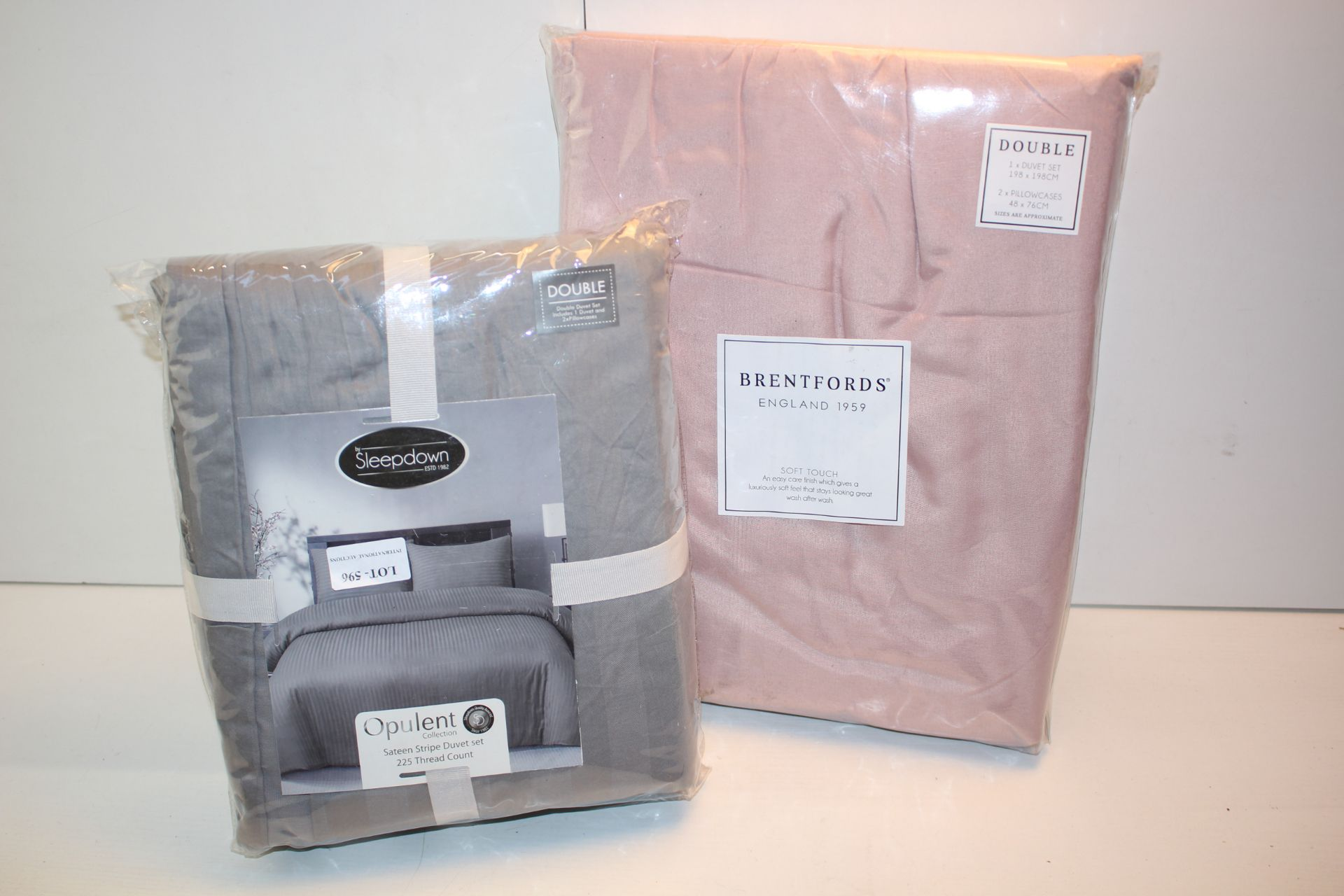 X2 BEDDING SETS TO INCLUDE SLEEPDOWN DOUBLE AND BRENTFORDS DOUBLE SET Condition ReportAppraisal