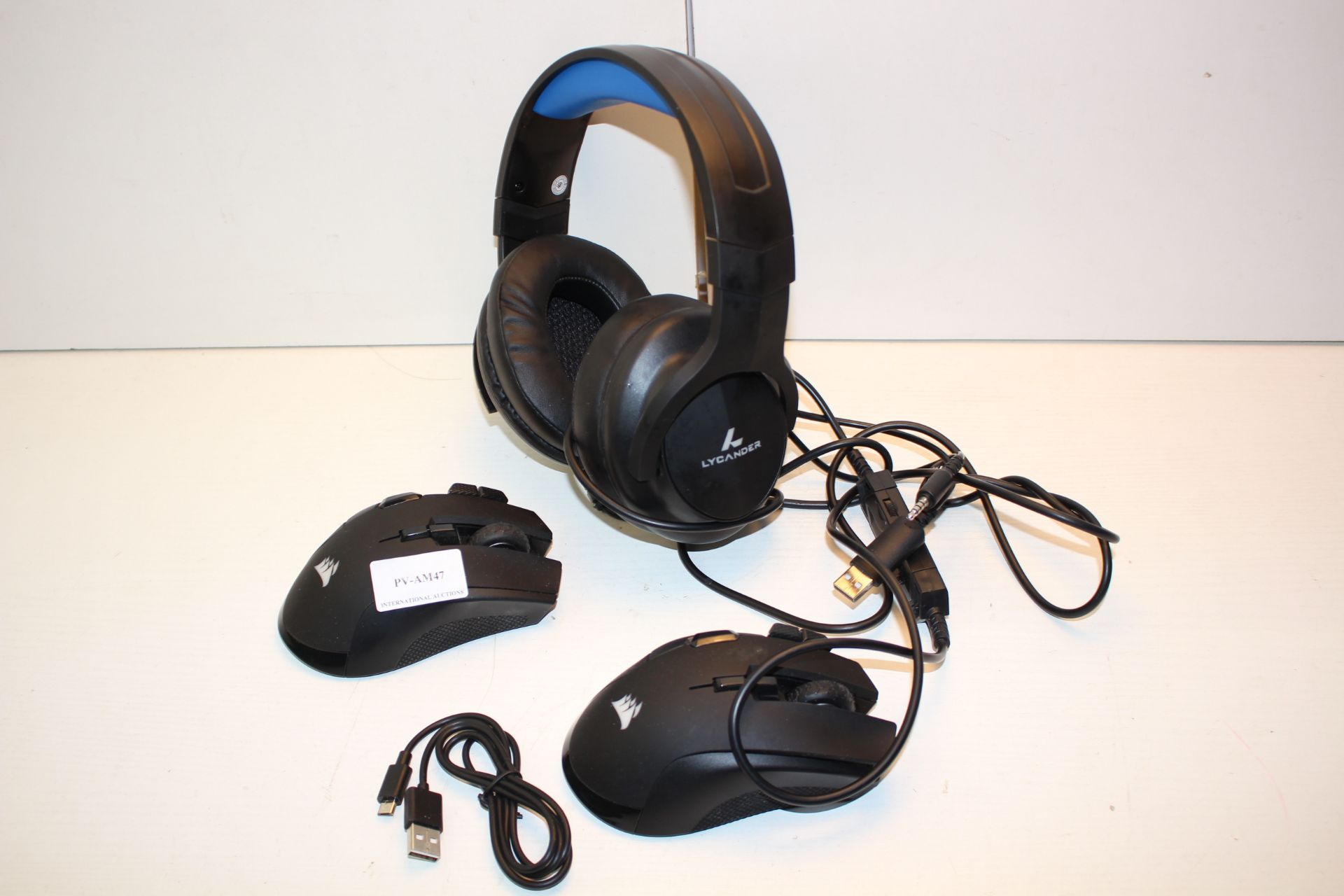 3X ASSORTED ITEMS TO INCLUDE CORSAIR MOUSE'S & GAMING HEADSET Condition ReportAppraisal Available on