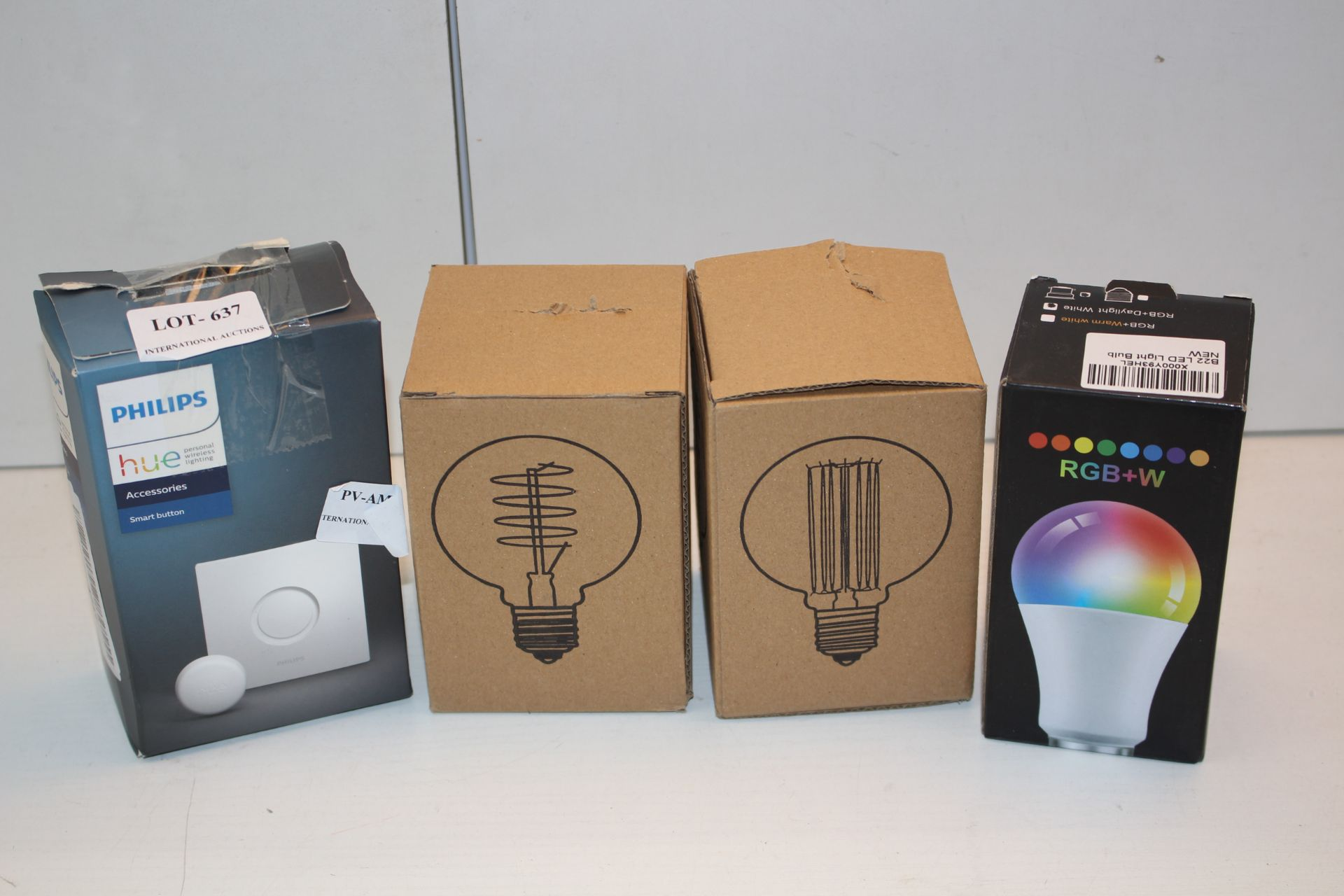 X4 BOXED ITEMS INCLUDING PHILIPS HUE SMART BUTTON AND BULBS Condition ReportAppraisal Available on