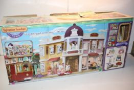 BOXED SYLVANIAN FAMILIES TOWN GRAND DEPARTMENT STORE GIFT SET RRP £83.99Condition ReportAppraisal