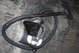 UNBOXED RUSSELL HOBBS CYLINDER VACUUM CLEANER RRP £59.99Condition ReportAppraisal Available on