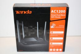 BOXED TENDA AC1200 SMART DUAL BAND WIFI ROUTER GAMING/UHD STREAMING RRP £36.99Condition