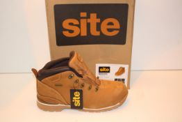 BOXED SITE METEORITE SAFETY BOOTS UK SIZE 10 Condition ReportAppraisal Available on Request- All