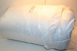 UNBAGGED DUVET UNKNOWN SIZE Condition ReportAppraisal Available on Request- All Items are