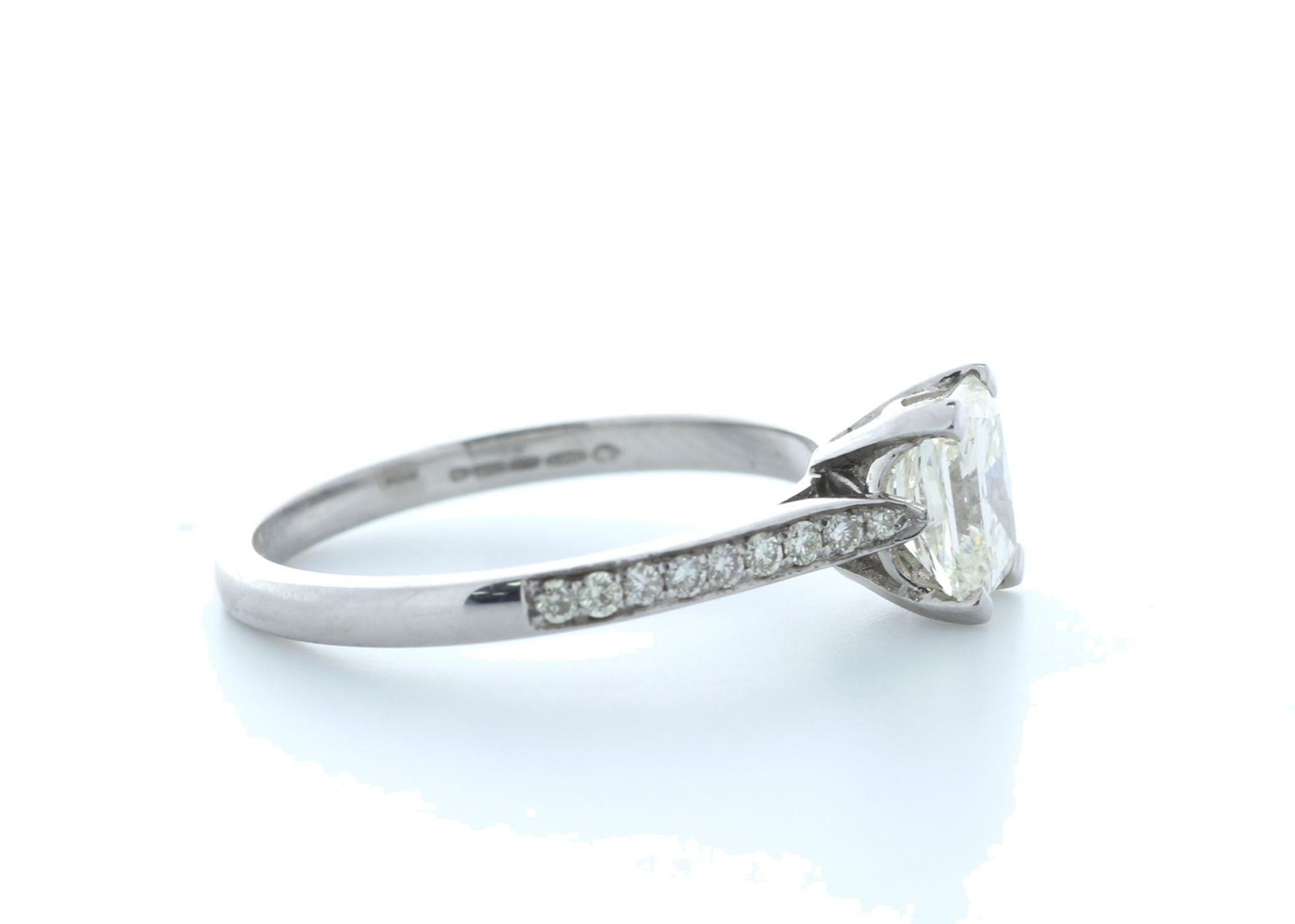 18ct White Gold Radiant Cut Diamond Ring 1.23 (1.08) Carats - Valued by IDI £19,500.00 - 18ct - Image 4 of 5