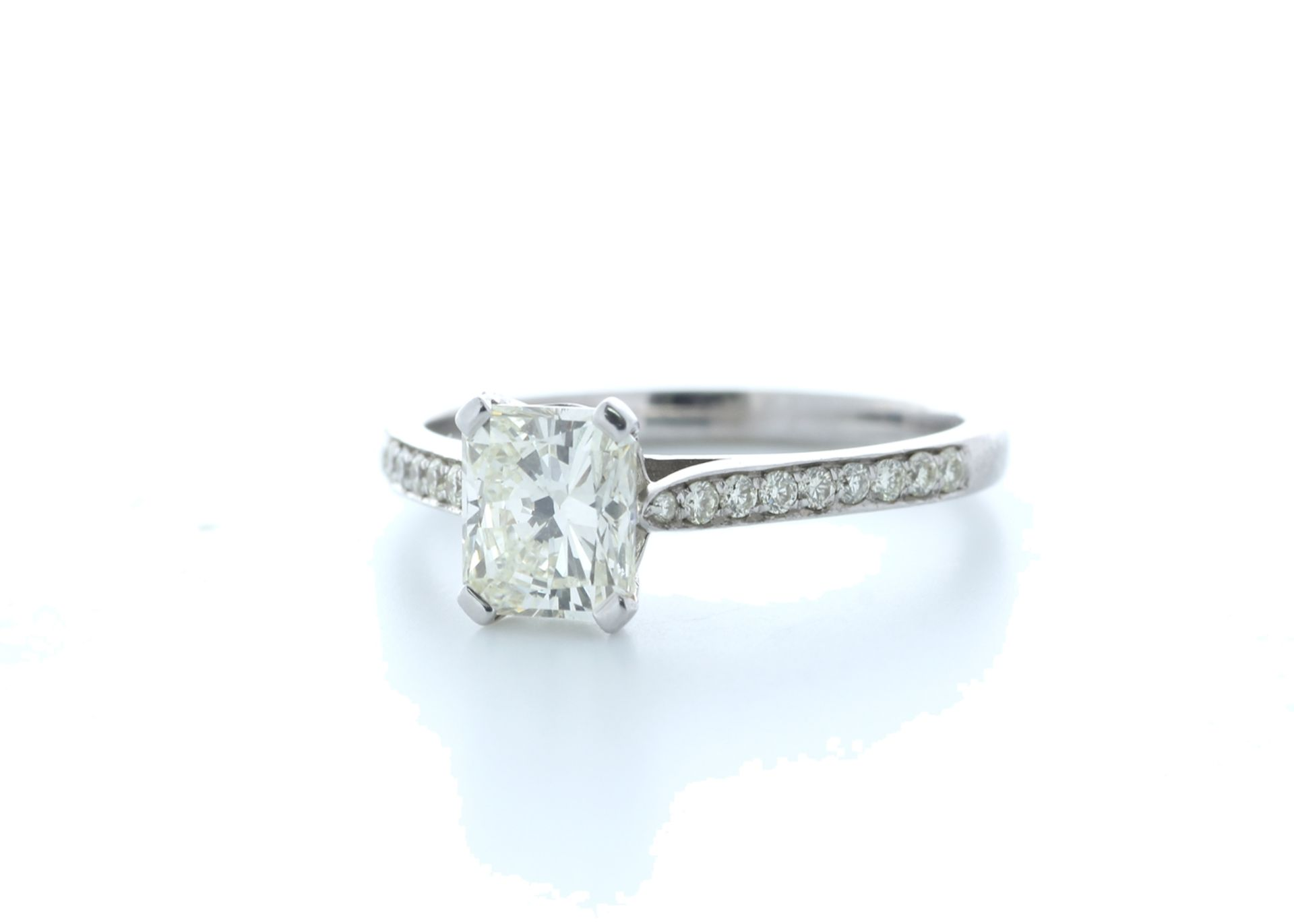 18ct White Gold Radiant Cut Diamond Ring 1.23 (1.08) Carats - Valued by IDI £19,500.00 - 18ct - Image 2 of 5