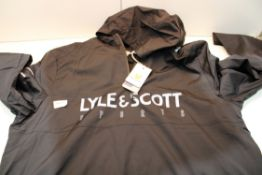 LYLE & SCOTT SPORT ZIPPED TOP FITNESS SIZE XL Condition ReportAppraisal Available on Request- All