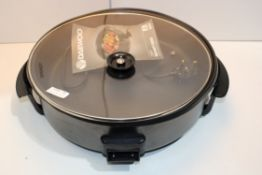 UNBOXED DAEWOO 1500W 40CM MULTI COOKER RRP £49.99Condition Report Appraisal Available on Request-