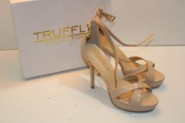 BOXED TRUFFLE COLLECTION UK SIZE 7 LADIES HIGH HEELED SHOES TRUFFLE BARLEY NUDE MFCondition Report