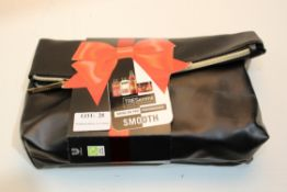 TRESEMME SMOOTH GIFT SET Condition Report Appraisal Available on Request- All Items are Unchecked/