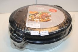 UNBOXED AXENTIA OVAL BAKING DISH WITH LIDCondition ReportAppraisal Available on Request- All Items