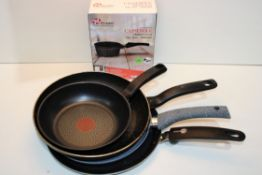 4X ASSORTED ITEMS (IMAGE DEPICTS STOCK)Condition ReportAppraisal Available on Request- All Items are