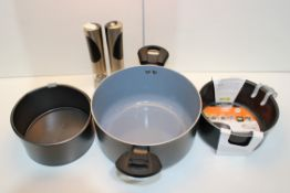 3X ASSORTED ITEMS (IMAGE DEPICTS STOCK)Condition ReportAppraisal Available on Request- All Items are