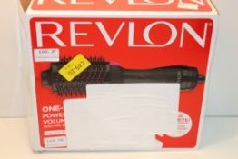 BOXED REVLON ONE-STEP VOLUMISER POWER OF A DRYER VOLUME OF A STYLER RRP £52.50Condition