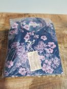 BRAND NEW WILLIAMS & BROWN FLORAL SHIRT SIZE SMALL (AU120)Condition ReportBRAND NEW