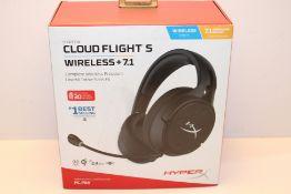 HyperX HX-HSCFS-SG/WW HyperX Cloud Flight S - Long-lasting battery life with Qi wireless