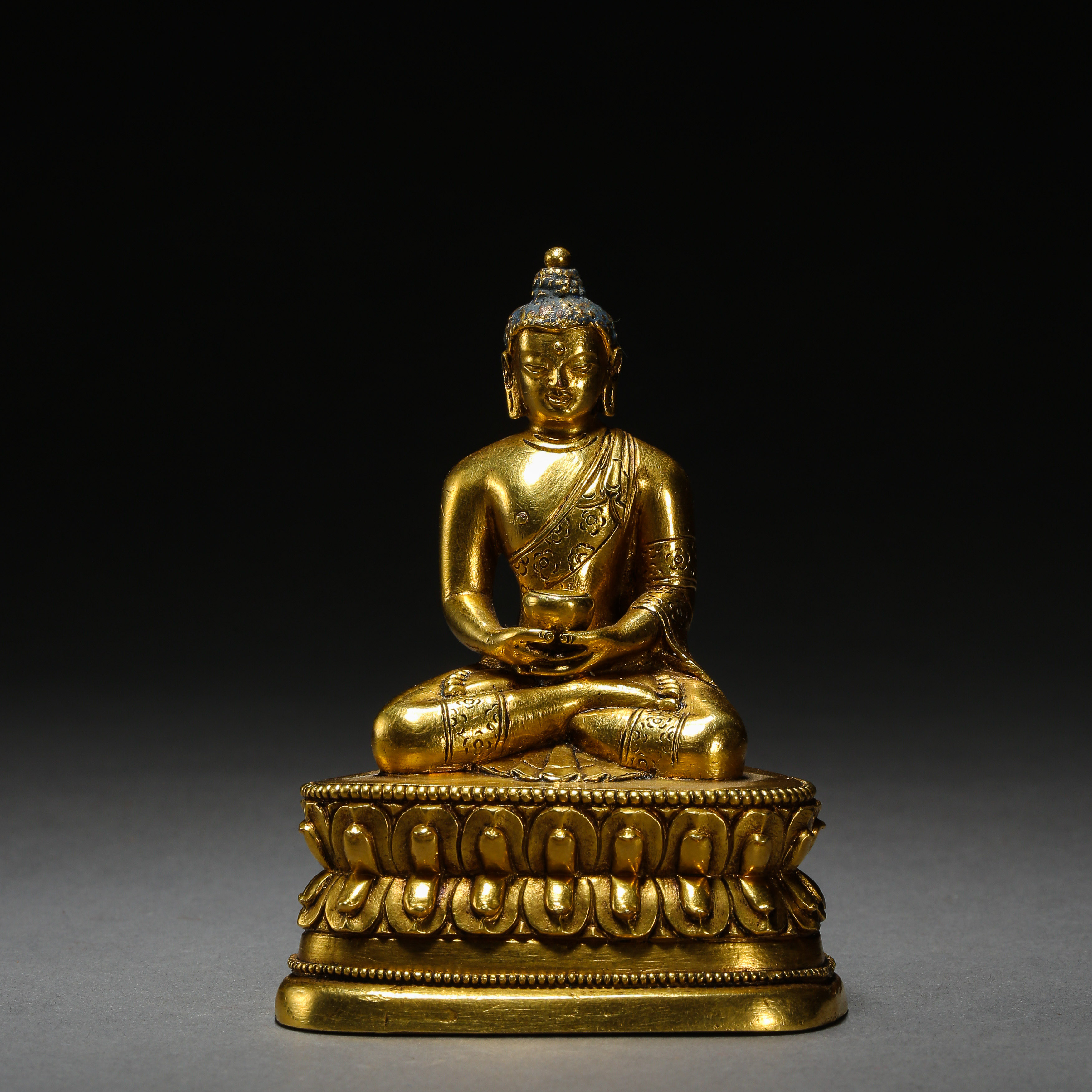 SEATED GILT BRONZE BUDDHA, QING DYNASTY, CHINA - Image 4 of 11