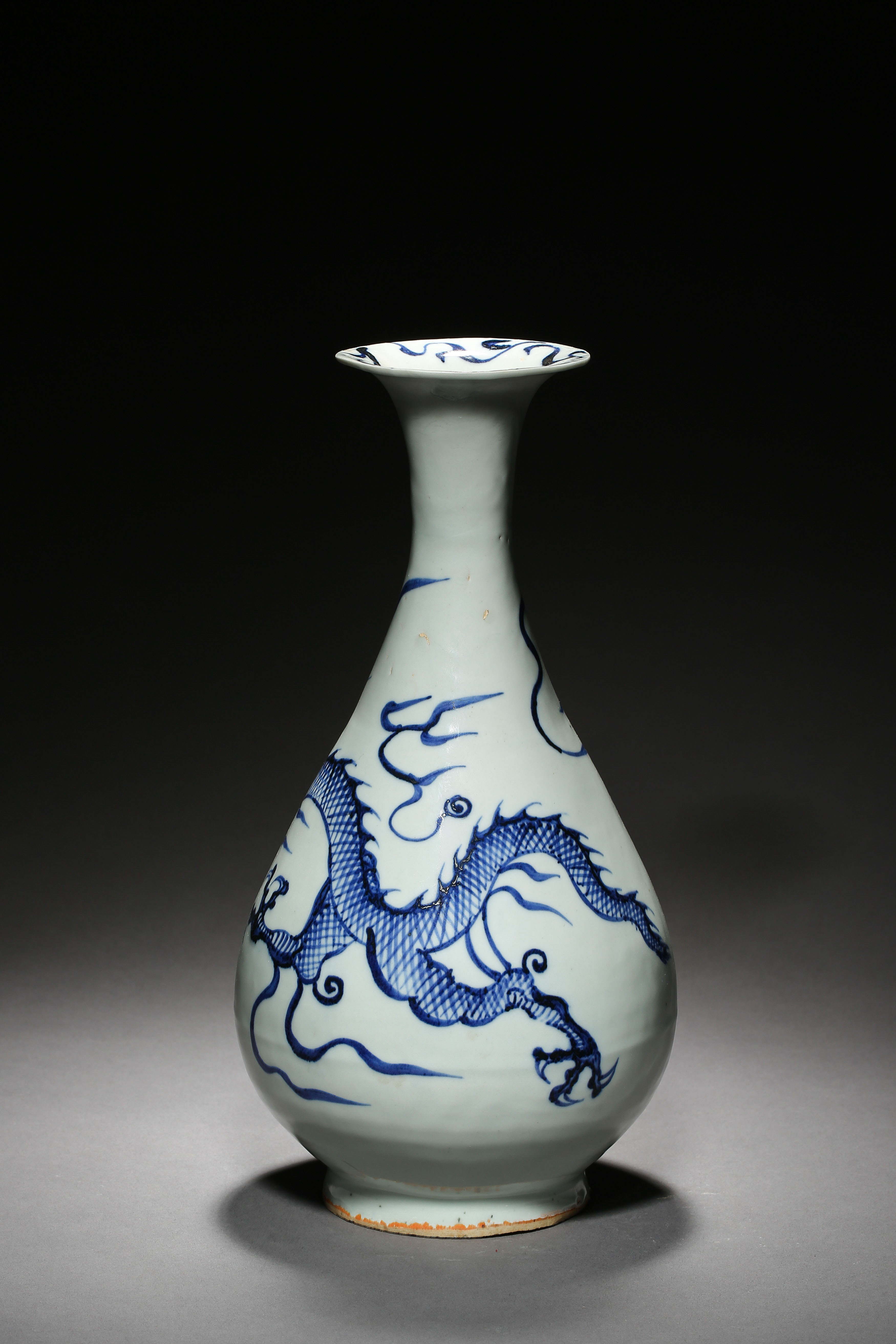 BLUE AND WHITE DRAGON PATTERN VASE, YUAN DYNASTY, CHINA - Image 3 of 8