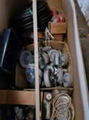 BOX OF MIXED WHEELS & OTHER BITS