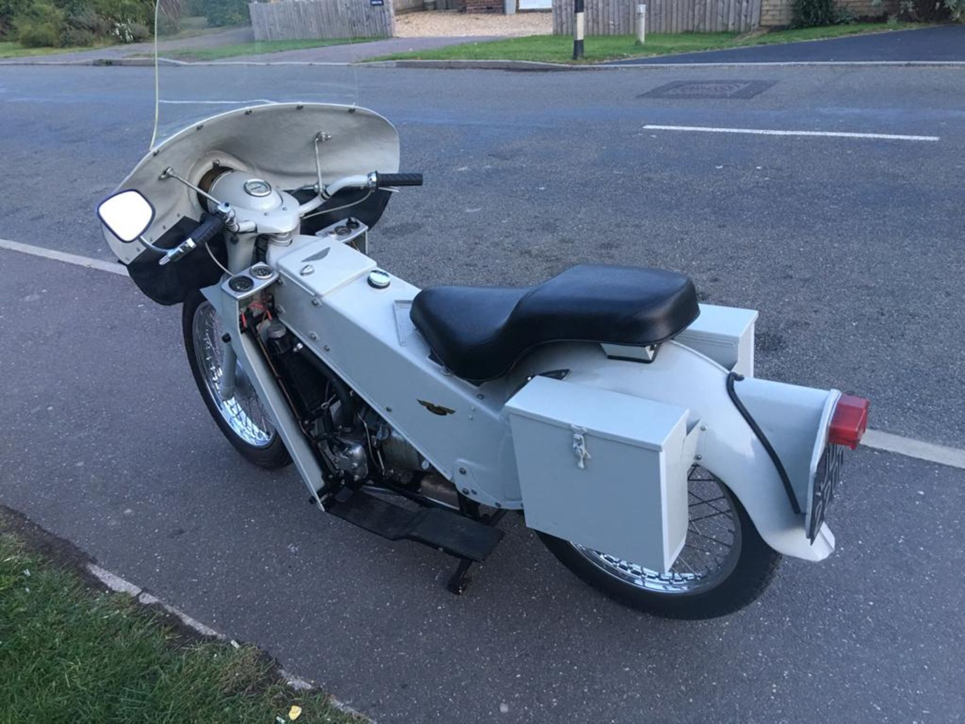1966 VELOCETTE MOTOR BIKE - Image 4 of 13