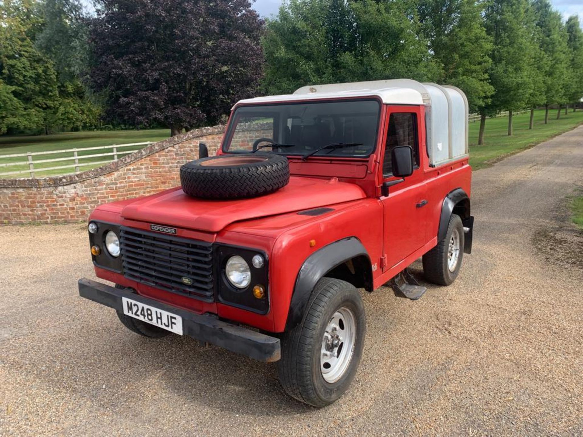 1994 LAND ROVER 90 DEFENDER TDI **ONE OWNER FROM NEW** - Image 3 of 17