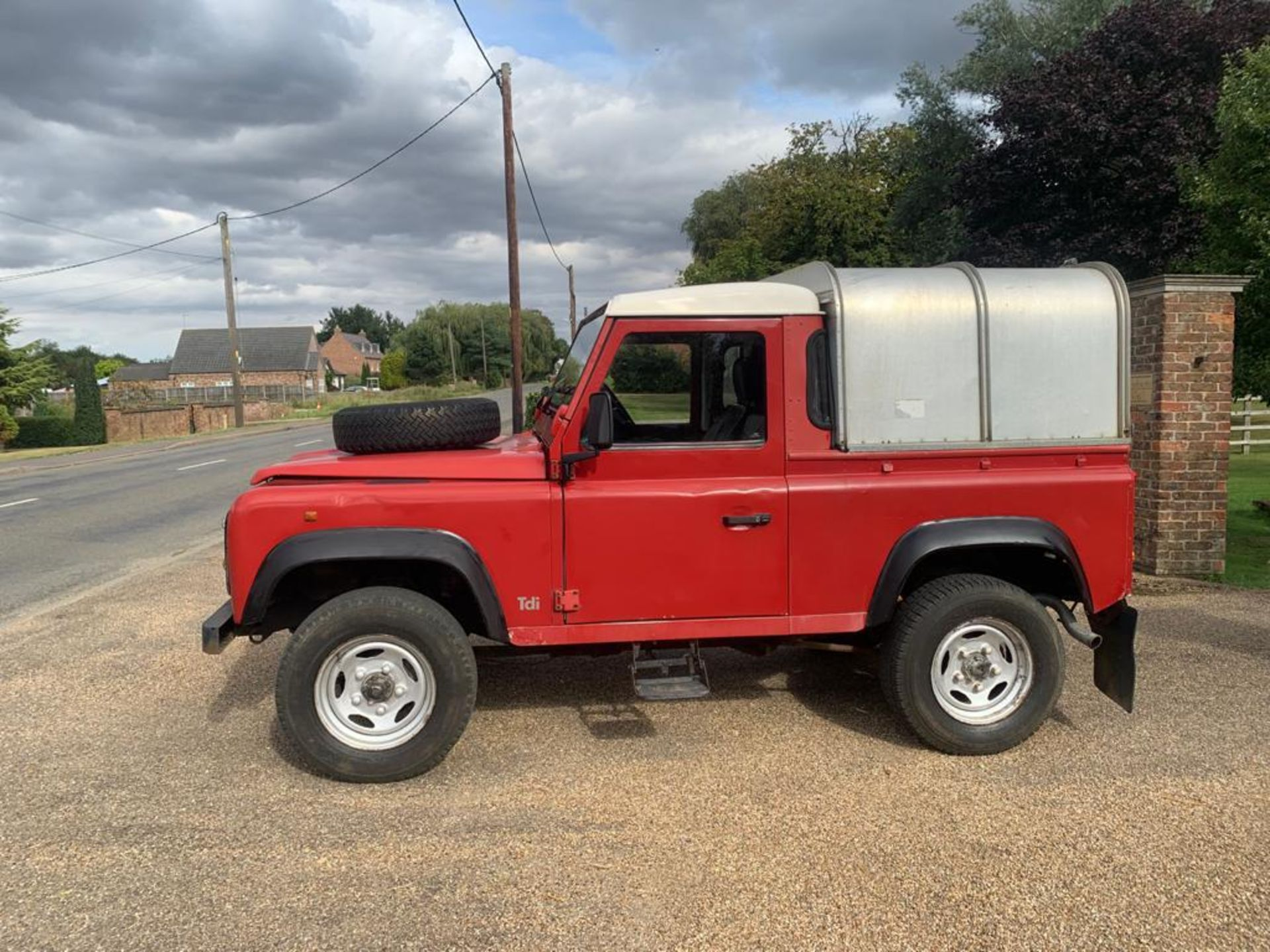 1994 LAND ROVER 90 DEFENDER TDI **ONE OWNER FROM NEW** - Image 8 of 17