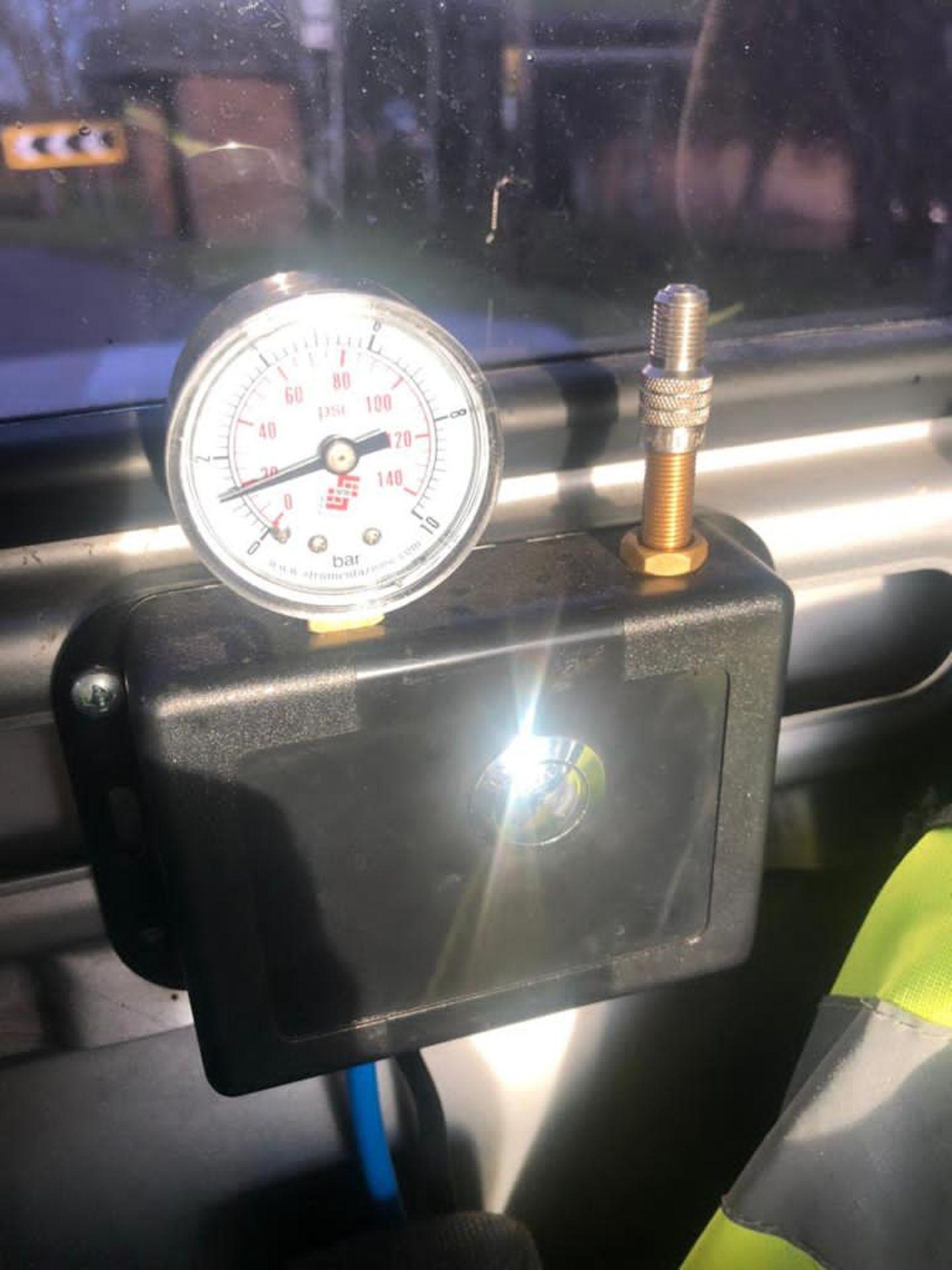 2011 MERCEDES BENZ TRANSPORTER - Image 11 of 17
