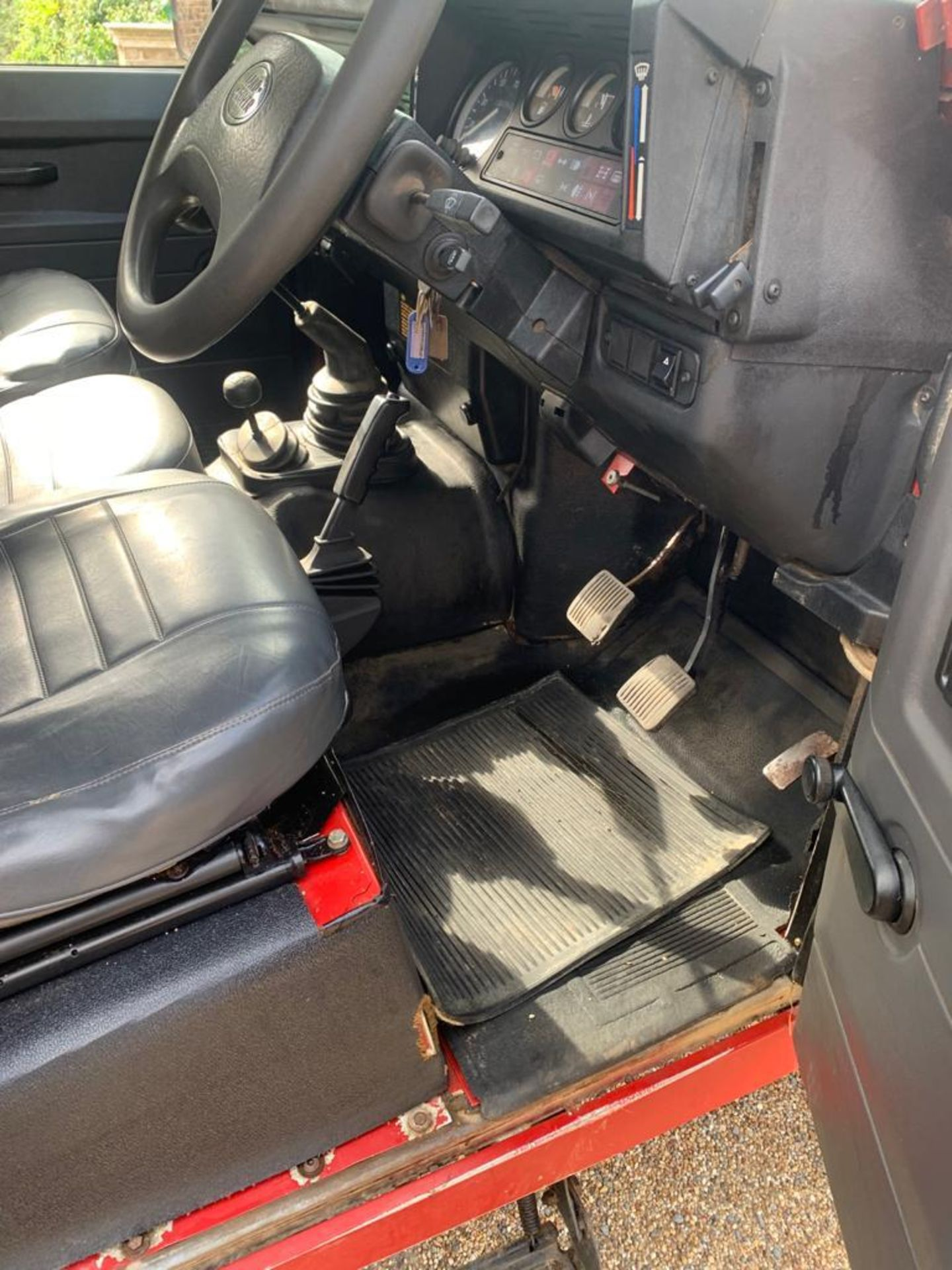 1994 LAND ROVER 90 DEFENDER TDI **ONE OWNER FROM NEW** - Image 12 of 17
