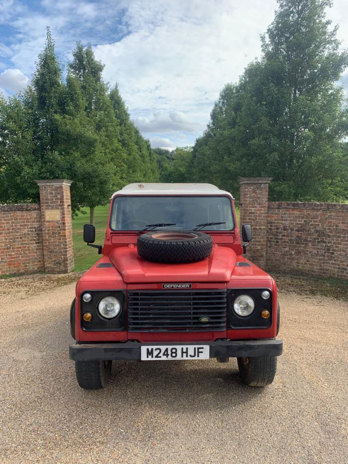 1994 LAND ROVER 90 DEFENDER TDI **ONE OWNER FROM NEW** - Image 2 of 17