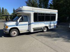2006 Ford E350 SD Shuttle Bus