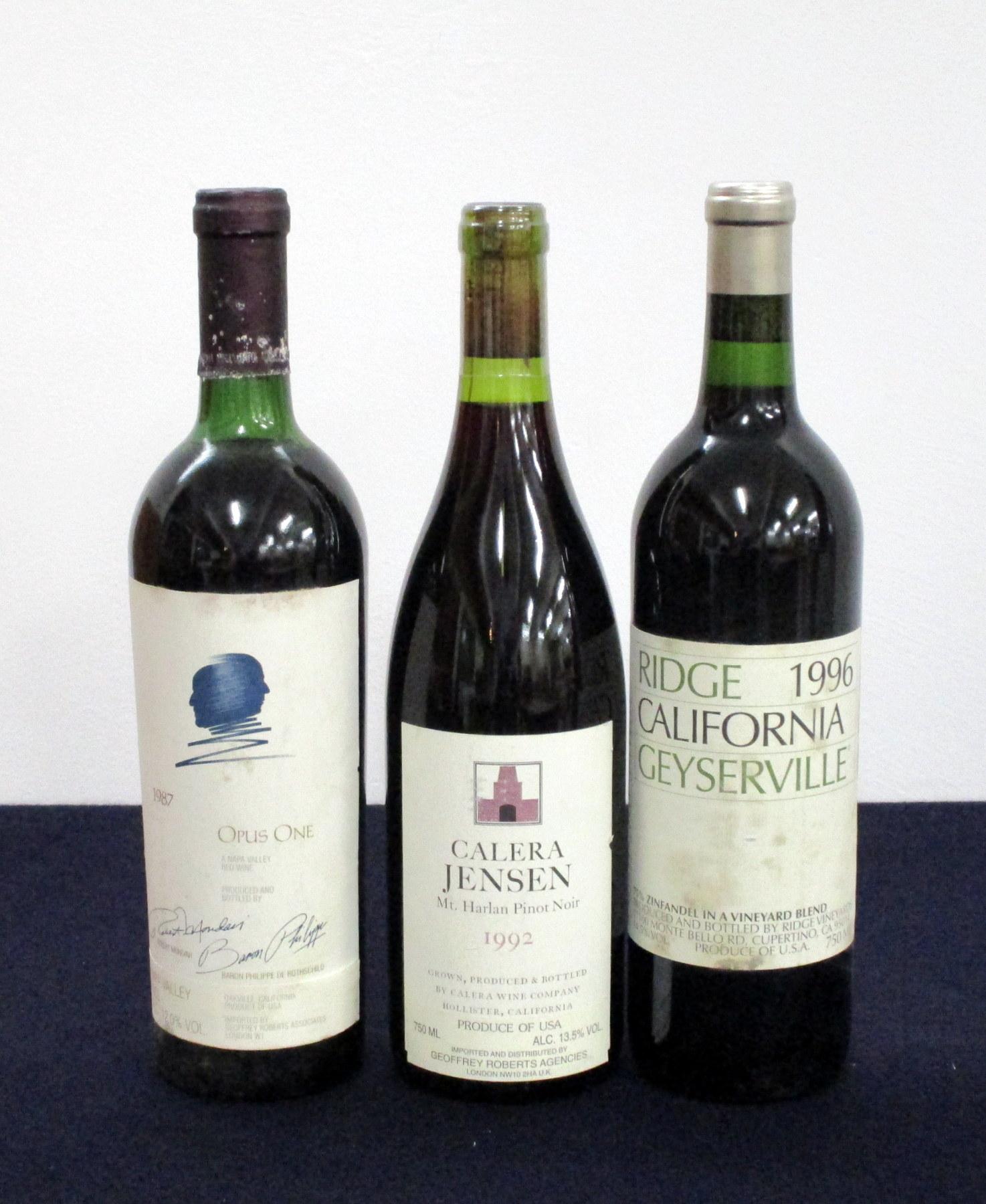 1 bt Opus One Mondavi Rothschild 1987 Napa Valley us, foil sl crusted, vsl stl 1 bt Calera Jenson