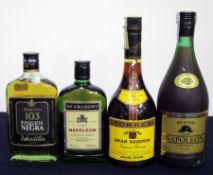 1 375 ml bt Bobadilla 103 Etiqueta Negra Brandy Extra 1 35 cl bt De Gramont Select Napoleon French