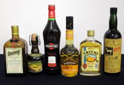 1 bt Cointreau 40° Spanish Import believed 1970's bottling sl ull 1 0.25 litre bt Cesarini