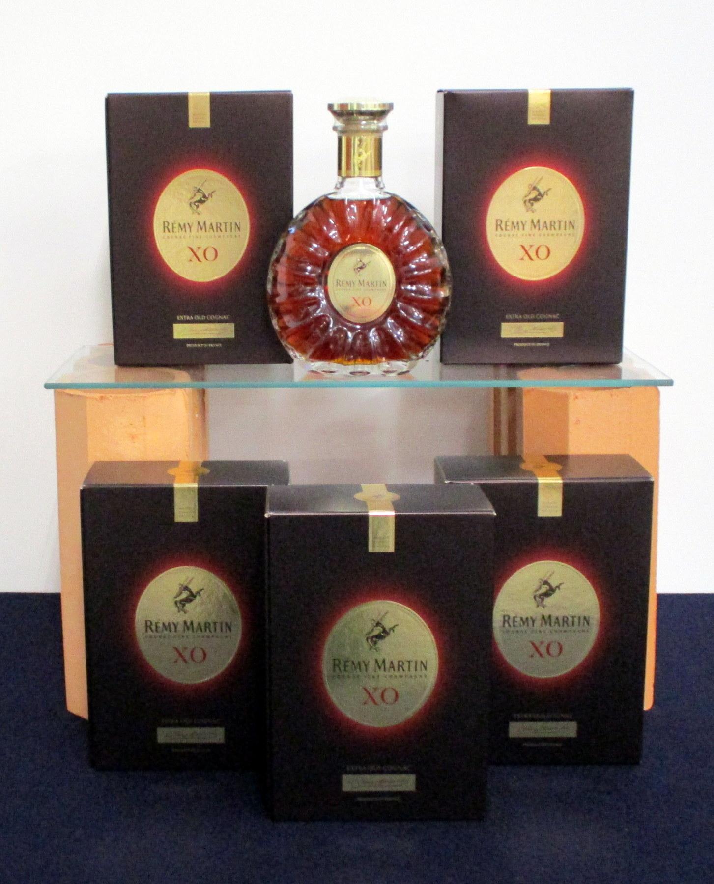 6 70-cl bts Remy Martin XO Fine Champagne Cognac ind oc
