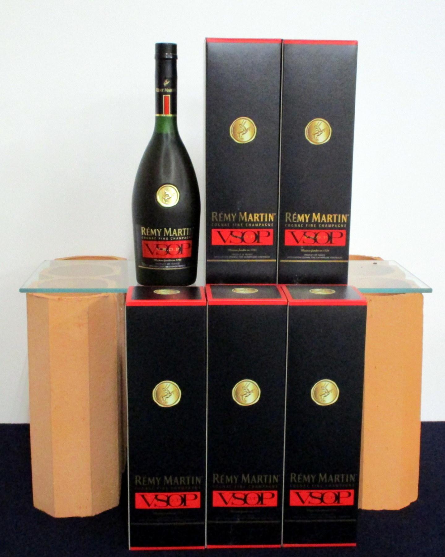 6 70-cl bts Remy Martin VSOP Fine Champagne Cognac ind oc
