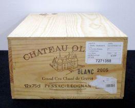 12 bts Ch. Olivier 2005 owc Pessac-Léognan Grand Cru Classé de Graves