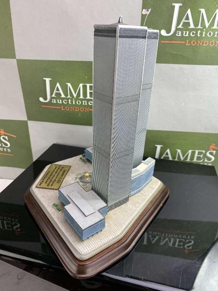 Danbury Mint September 11, 2001 9/11: Twin Towers Historic Desk Top Diarama - Image 3 of 6